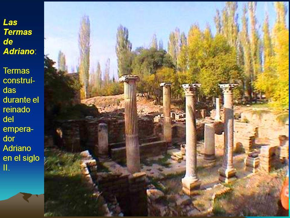 El Sebastión: Complejo religioso dedicado al culto de César Augusto, con estructuras añadidas durante el reinado de Claudio y el de Nerón.