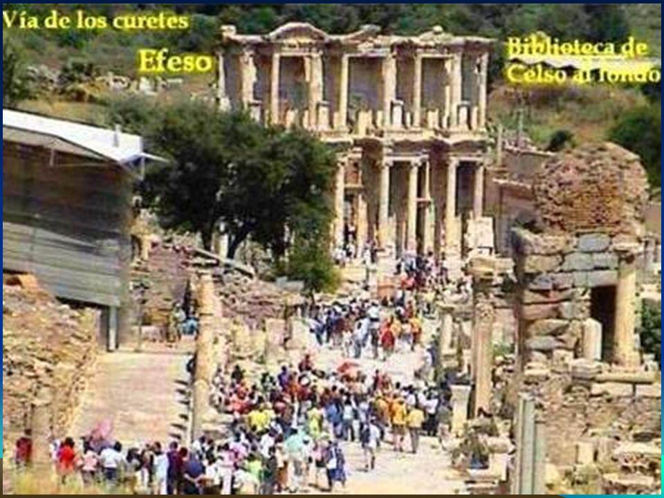 Éfeso Se hallaba ubicada cerca de la desembocadura del río Caístro, en la costa griega oriental del mar Egeo.
