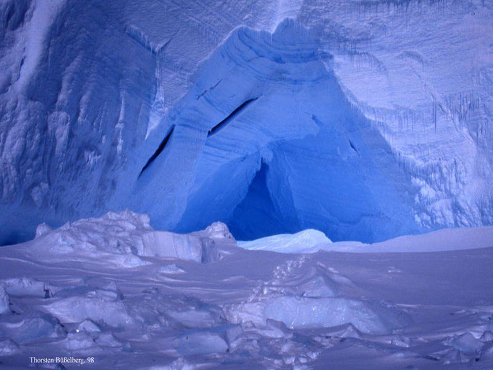 Otro espectáculo único es el polvo de diamante (diamond dust), que es un nube a nivel de superficie compuesta por pequeños cristales de hielo.