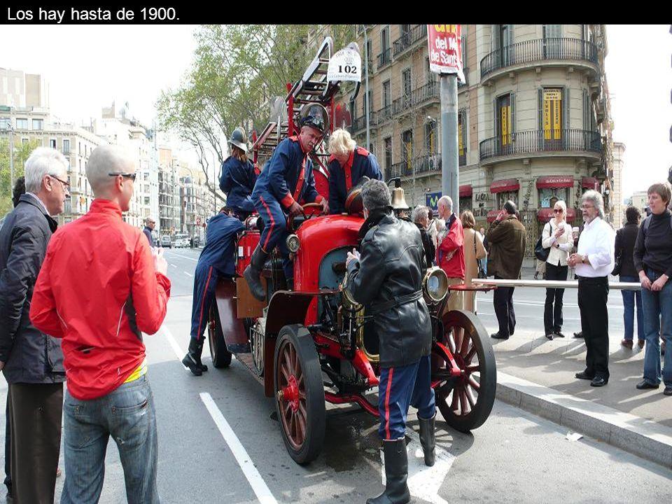 Los coches necesitan muchos cuidados y es que el vehículo más nuevo es de 1924.