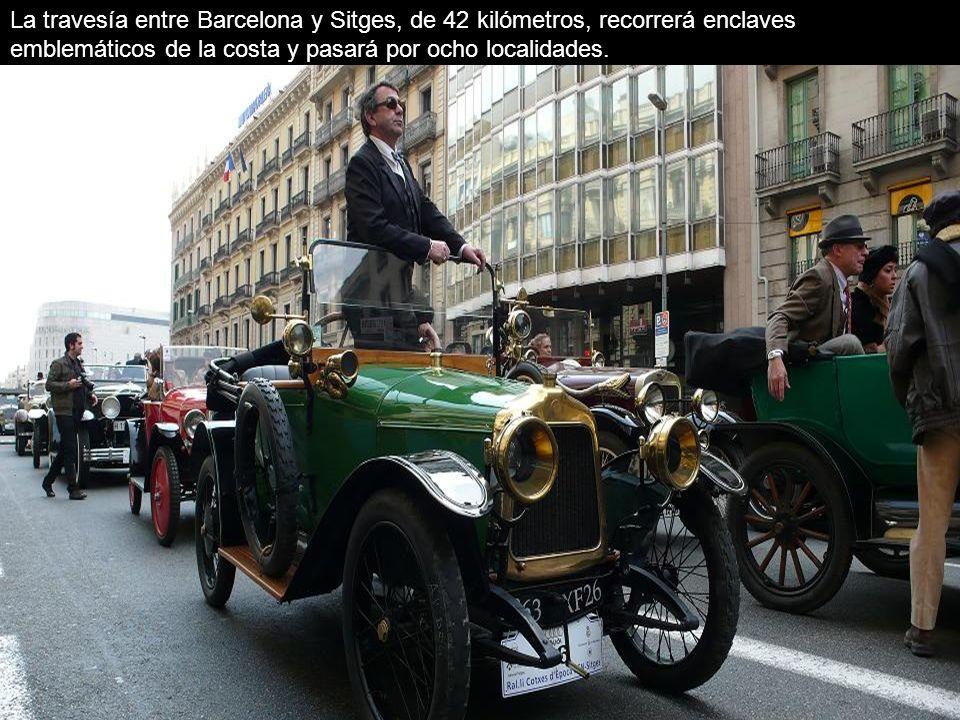 La travesía entre Barcelona y Sitges, de 42 kilómetros, recorrerá enclaves emblemáticos de la costa y pasará por ocho localidades.