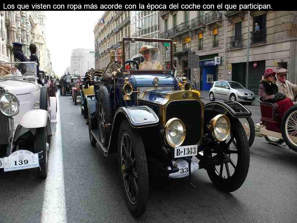 150 coches de época participantes.