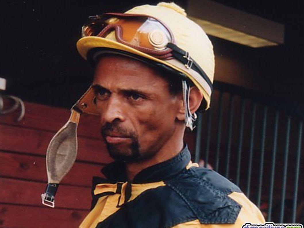 2. ESCONDIDO EN LA NIEBLA 2. ESCONDIDO EN LA NIEBLA Sylvester Carmouche, 1990 No era uno de los favoritos, pero este jockey ganó sorprendiendo a todos