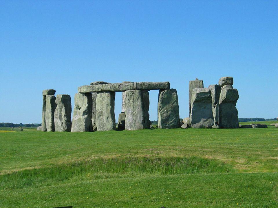 EDAD ANTIGUA: Primeras civilizaciones con escritura EDAD MEDIA: Comenzó hace unos mil quinientos años.