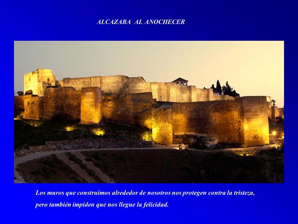 TEATRO ROMANO Y ALCAZABA En la vida todos tenemos un secreto inconfesable, un arrepentimiento irreversible, un sueño inalcanzable y un amor inolvidable. (Diego Marchi)