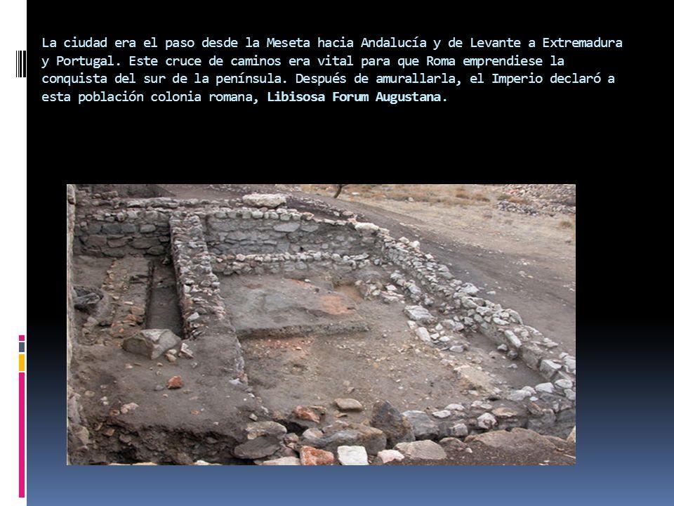 La ciudad era el paso desde la Meseta hacia Andalucía y de Levante a Extremadura y Portugal. Este cruce de caminos era vital para que Roma emprendiese