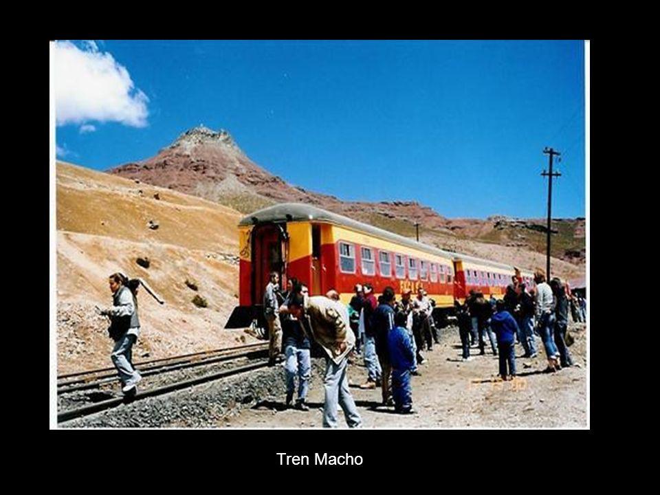 Cambio de vía en estación La Galera / Change of rail in La Galera Station