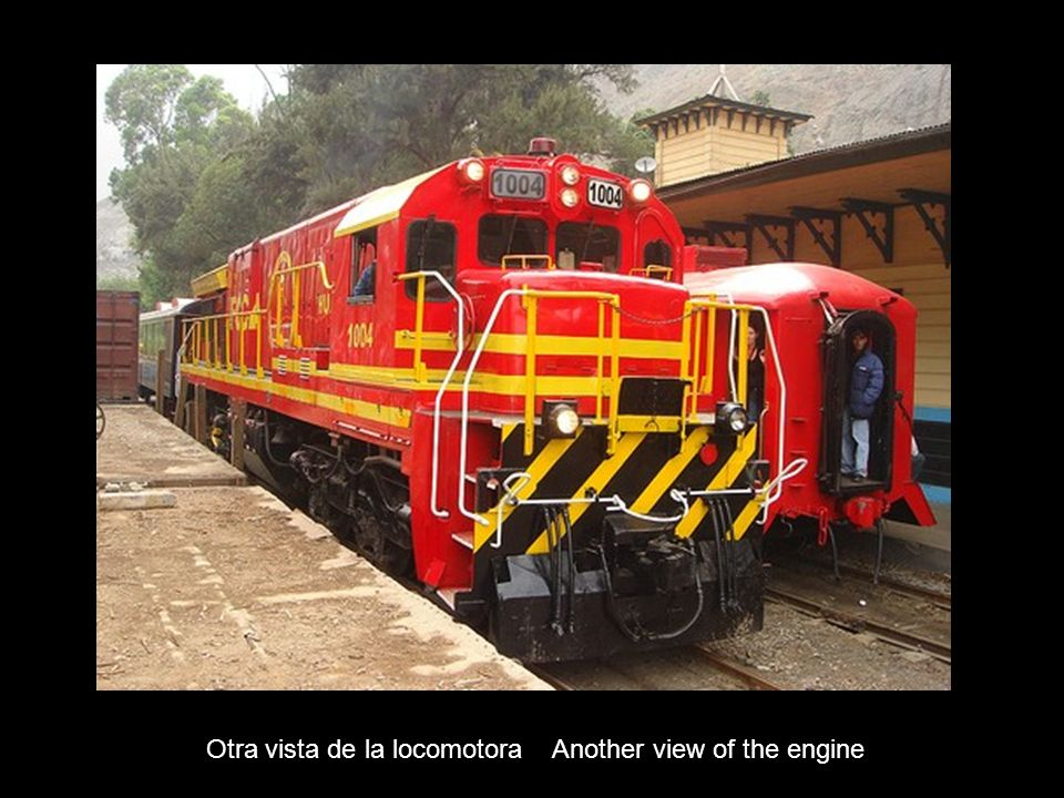 Ramal de carga en La Oroya para transportar mineral desde Cerro de Pasco Cargo rail in La Oroya for transporting minerals from Cerro de Pasco