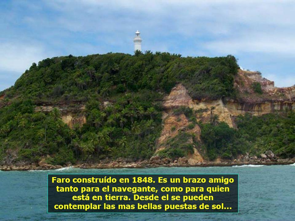 Fuente Grande, desde el s. XVII, en el periodo colonial, es el mas notable ejemplar de equipamiento urbano de abastecimiento de agua de Bahia. Constru