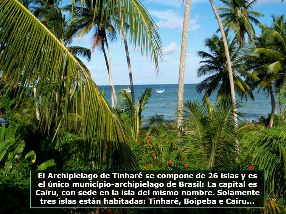 El pueblo de Morro de San Pablo esta en la Isla de Tinharé, en el archipiélago-município de Cairu, 60 km al sur de Salvador y próximo a la ciudad de V
