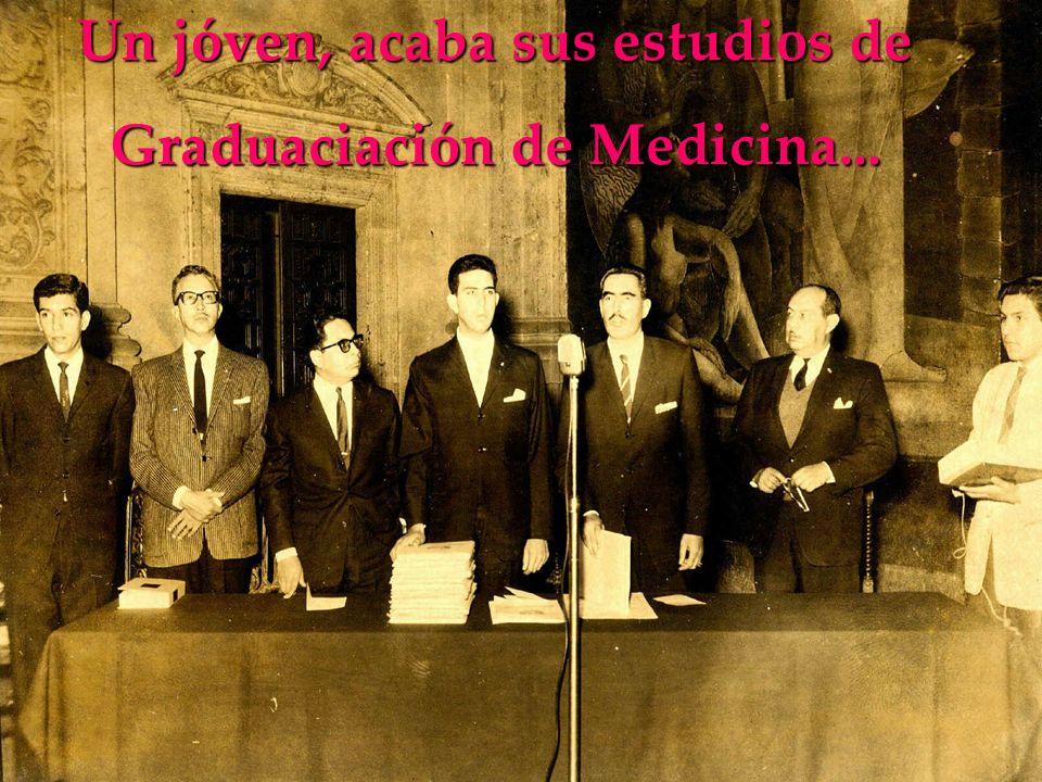 Un jóven, acaba sus estudios de Graduaciación de Medicina...