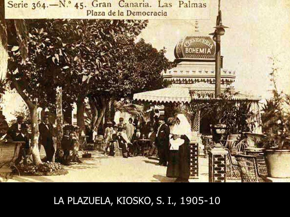 Panorámica. La Plazuela, con toda sus alineaciones completas. Mercantil y Monopol