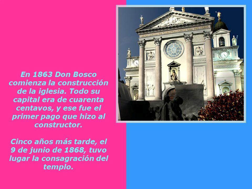 Luego en 1845, en un nuevo sueño, contempla una hermosa iglesia en el campo de los mártires turineses en el mismo lugar donde se levanta hoy el Santua