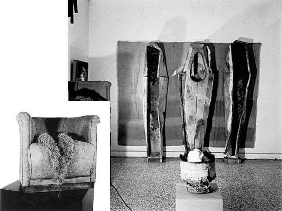Diana Dowek Buenos Aires, 1942 Atrapado con saiida 1977 Acrílico sobre tela - 150 x 160 cm Juan Carlos Distéfano 1933 El mudo 1973