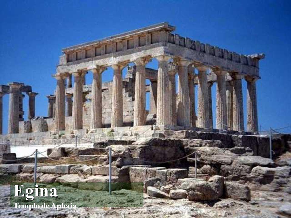Las Cícladas (Κυκλάδες) archipiélago situado en el centro del mar Egeo entre los paralelos 36-38 de latitud y 24-26 de longitud. Políticamente constit