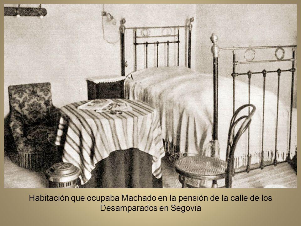 En octubre de 1919 obtiene el traslado al Instituto de Segovia, adonde se incorpora el 26 de noviembre.