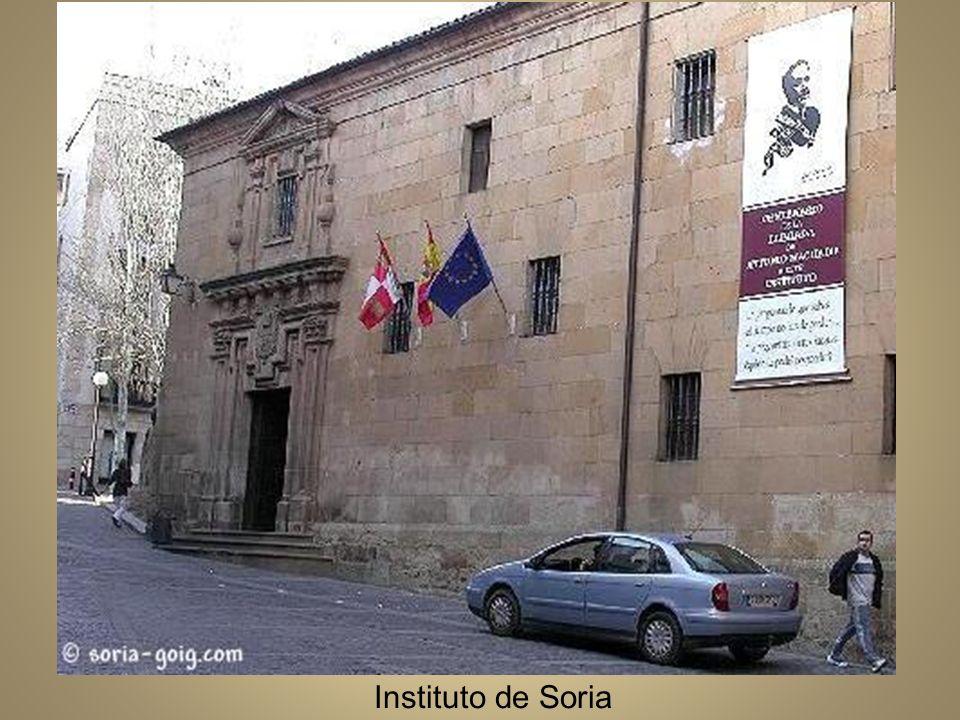 Soria y el río Duero a comienzos del siglo XX En 1907 obtiene una de las cátedras de francés y elige la de Soria, donde conocerá a Leonor