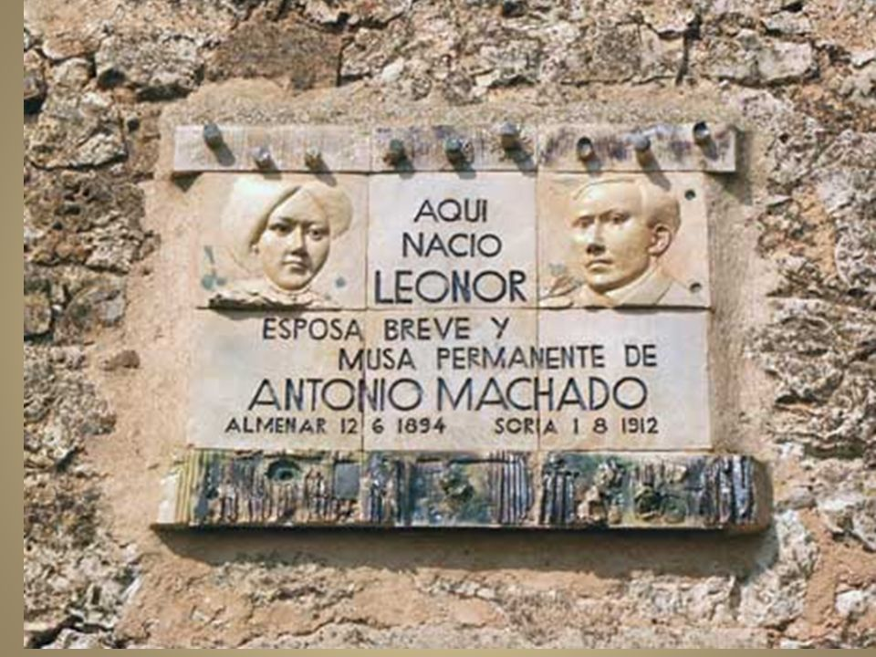 Claustro de profesores del Instituto de Baeza. Machado, sentado, es el tercero por la derecha.