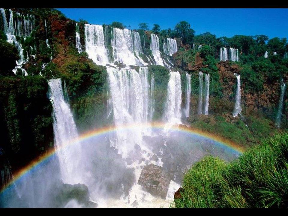En 1984 el sector argentino de las Cataratas, el Parque Nacional Iguazú, fue declarado Patrimonio de la Humanidad por la UNESCO. Posteriormente en 198