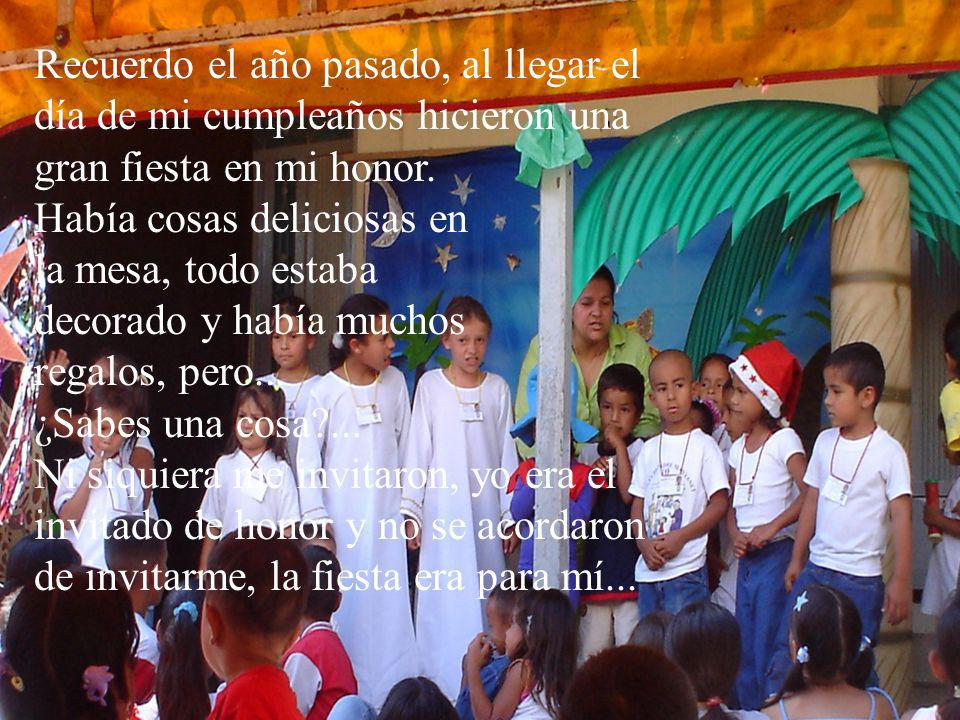 Feliz navidad les desea la residencia universitaria de Cajamarca RICHARD.A.V ALFONSO.A.V REGNER.M.S SUT`IYAY MANUEL VÉLEZ ALVARES ¡El Señor prometió estar con nosotros hasta el fin del mundo !