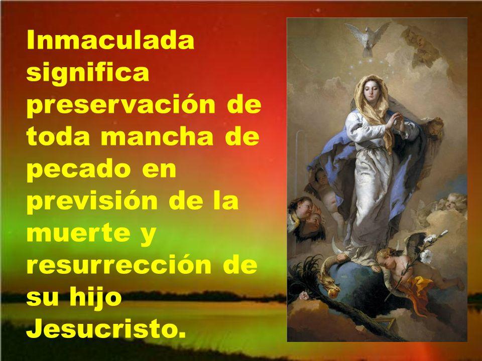 A la Virgen María los cantos y los poemas la han proclamado hermosa más que a nadie, porque la mayor hermosura está en el alma.