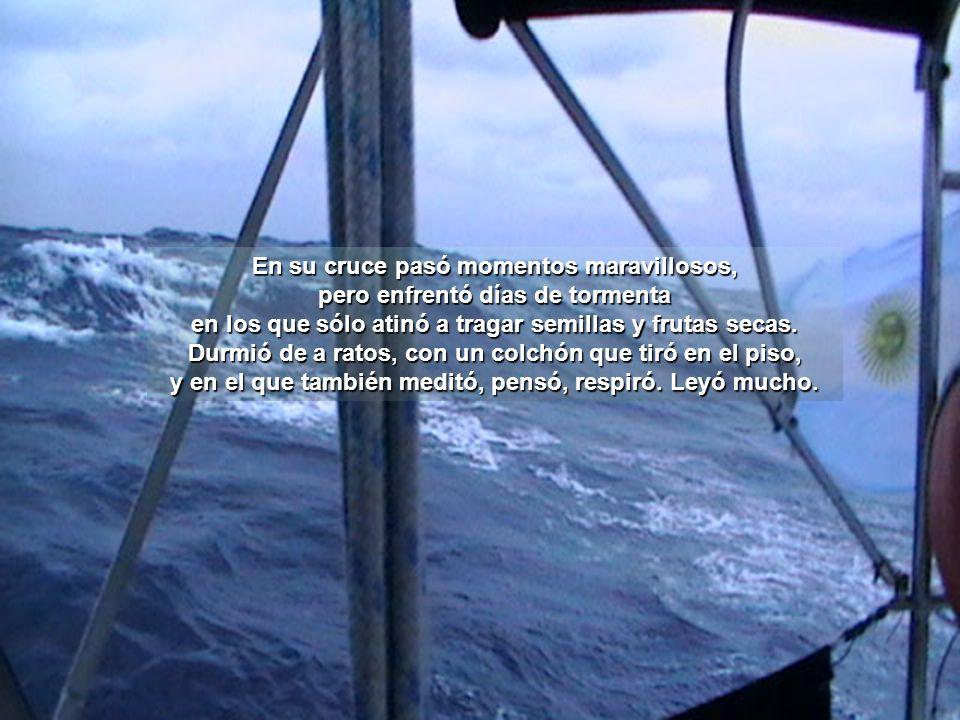 Zarpó sola de la isla caribeña de Saint Maarten el 2 de mayo de 2011.