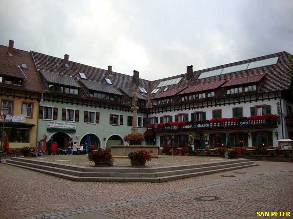 SCHILTACH Fuente de la Plaza del Mercado