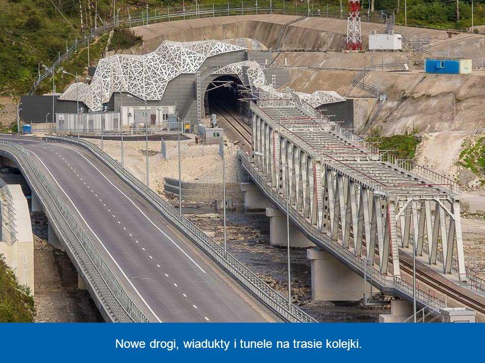 Nowy dworzec kolejowy, z którego odjeżdża szybka kolej, łącząca Soczi z oddaloną o około 50 km miejscowością Krasnaja Polana w górach Kaukaz, gdzie będą rozgrywane konkurencje śniegowe.