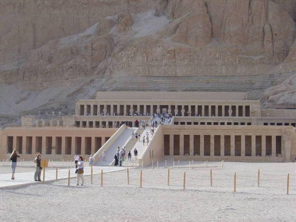 Pitágoras fue un caso excepcional, paso 22 años en los templos de Menfis y de Tebas...