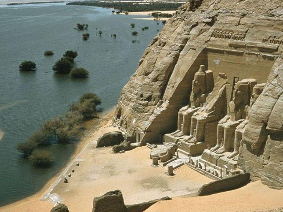 Las enseñanzas recibidas por estos sabios en Egipto eran estudiadas dentro de los Templos a través de los libros que en ellos habían.