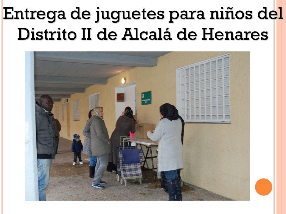 Entrega de juguetes para niños del Distrito II de Alcalá de Henares