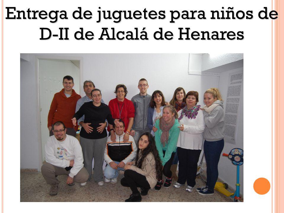 Entrega de juguetes para niños de D-II de Alcalá de Henares