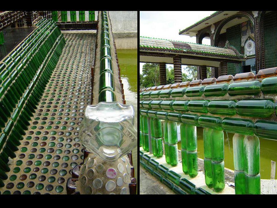 Este particular templo fue levantado a unas 400 millas al noreste de Bangkok, en la ciudad de Khun Han, cerca de la frontera camboyana.