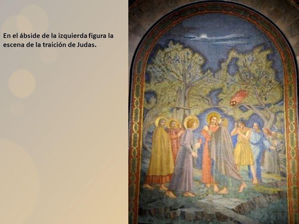 En el ábside de la izquierda figura la escena de la traición de Judas.