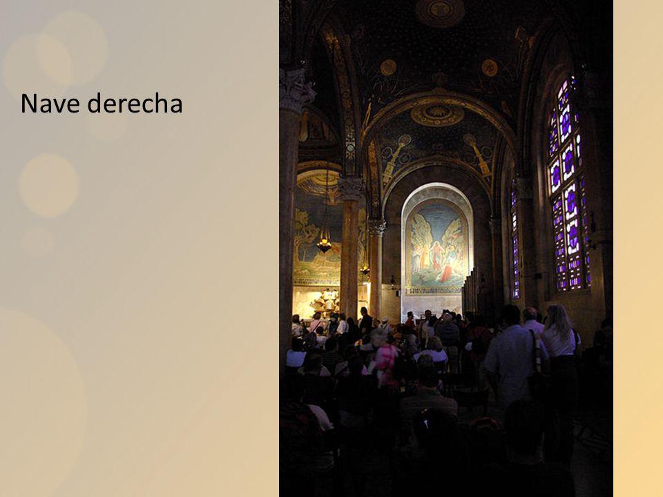 El pasillo a la derecha de la iglesia de la Asunción conduce a la gruta del Prendimiento.