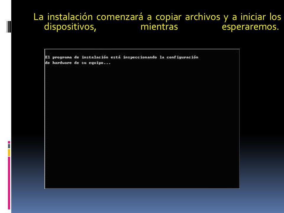 La instalación comenzará a copiar archivos y a iniciar los dispositivos, mientras esperaremos.