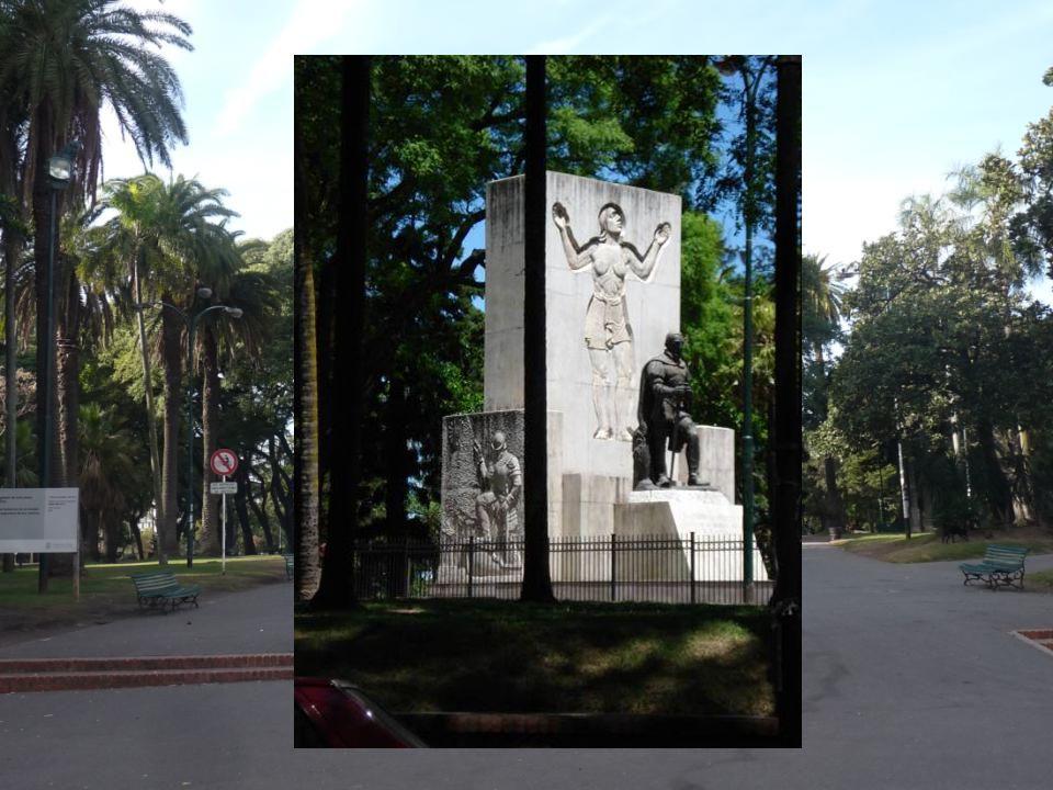 Todo parece indicar que en este lugar, el actual Parque Lezama, fue el primer emplazamiento de la ciudad de Buenos Aires.