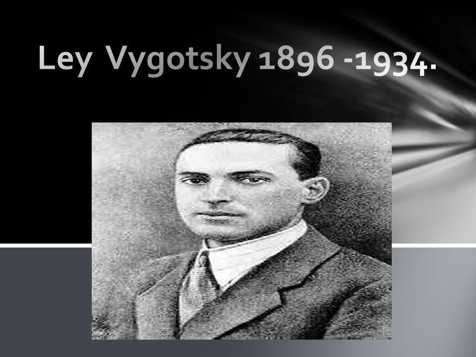 Vygotsky se interesó en el desarrollo cognitivo y el lenguaje.
