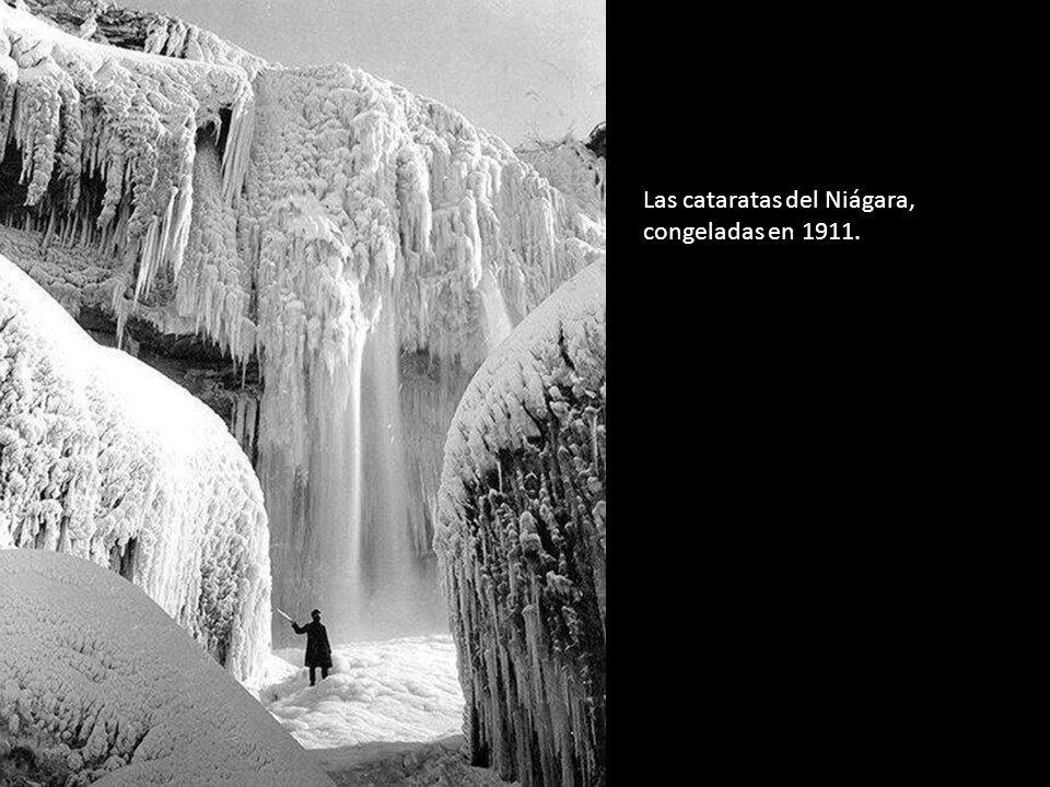 Las cataratas del Niágara, congeladas en 1911.