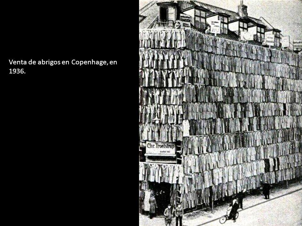 Venta de abrigos en Copenhage, en 1936.