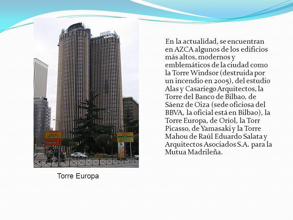 En la actualidad, se encuentran en AZCA algunos de los edificios más altos, modernos y emblemáticos de la ciudad como la Torre Windsor (destruida por un incendio en 2005), del estudio Alas y Casariego Arquitectos, la Torre del Banco de Bilbao, de Sáenz de Oiza (sede oficiosa del BBVA, la oficial está en Bilbao), la Torre Europa, de Oriol, la Torr Picasso, de Yamasaki y la Torre Mahou de Raúl Eduardo Salata y Arquitectos Asociados S.A.