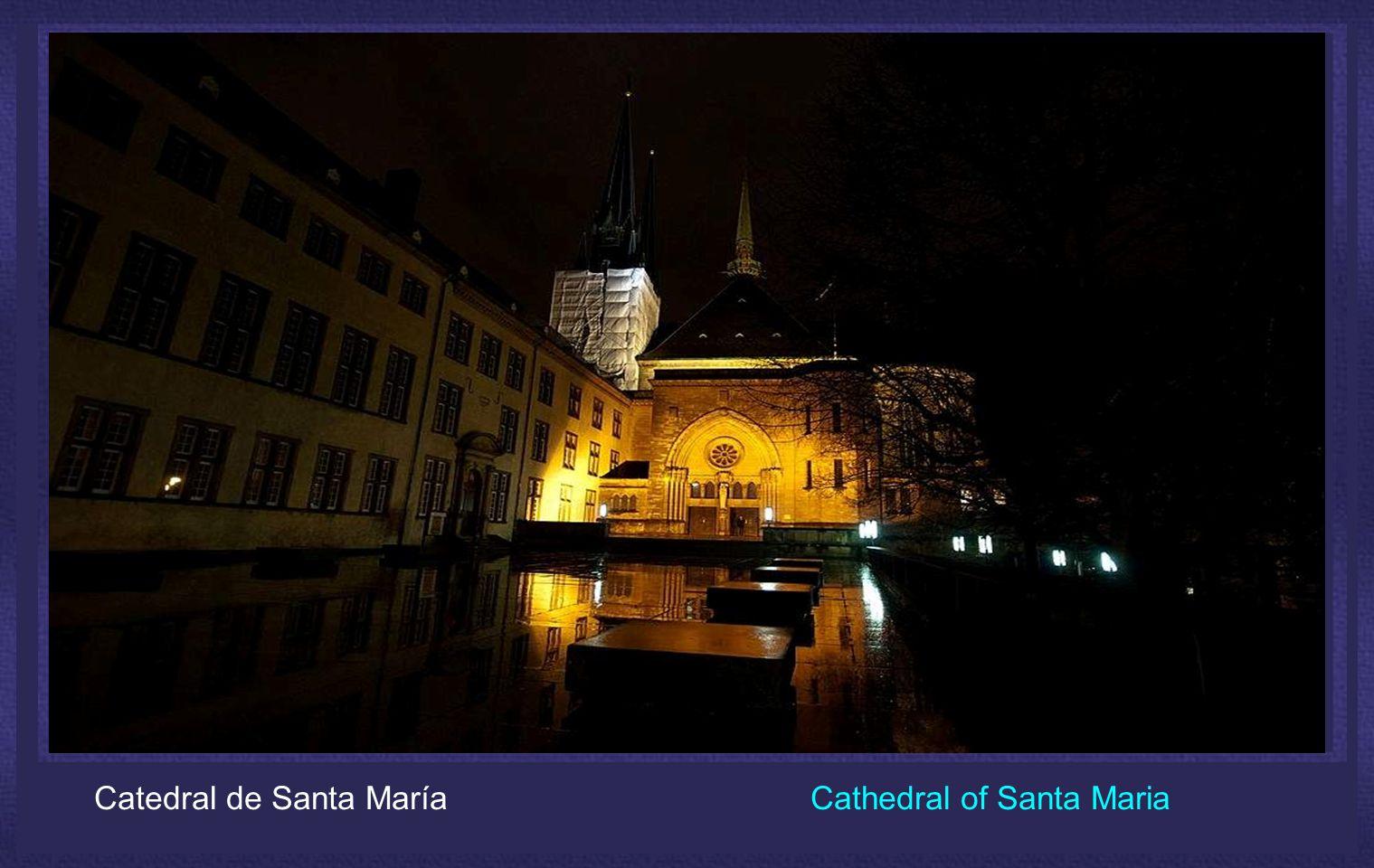 Luxemburgo, ha sabido preservar sus monumentos, Iglesias, monasterios y sus barrios antiguos, en medio de un entorno natural excepcional.