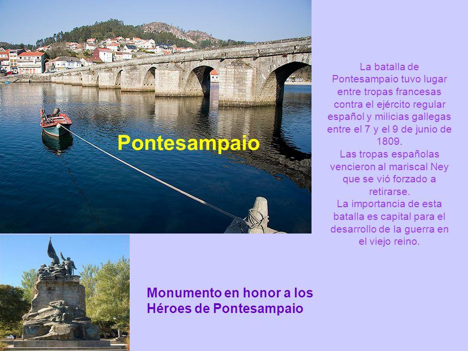 Combarro Conjunto histórico. El conjunto de hórreos que se mezcla con casitas marineras, da como resultado un símbolo de galleguidad popular.