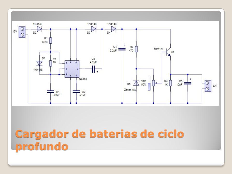 Funcionamiento del cargador Cuando el pin3 del NE555 esta en estado bajo, el capacitor electrolítico C3 se carga a través de los diodos D2 y D3, hasta que en sus bornes haya una tensión de aproximadamente 12 V.