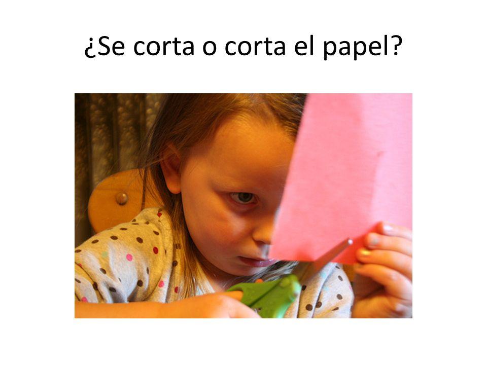¿Se corta o corta el papel?