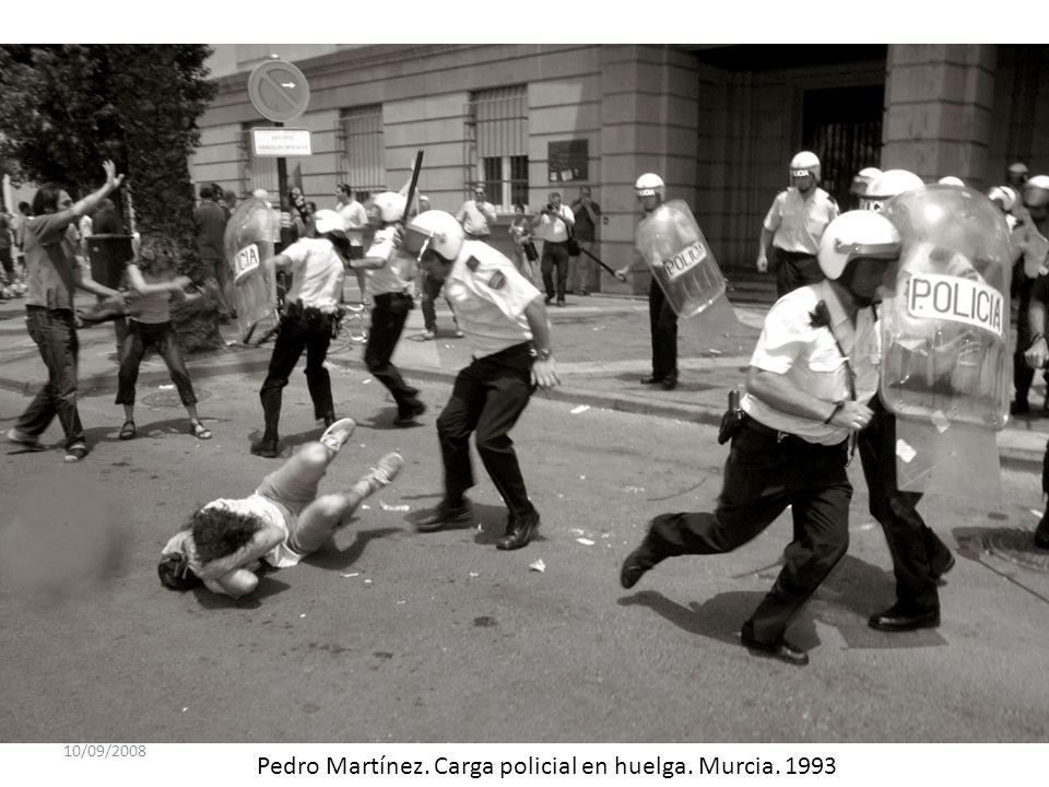 10/09/2008 Pedro Martínez. Carga policial en huelga. Murcia. 1993
