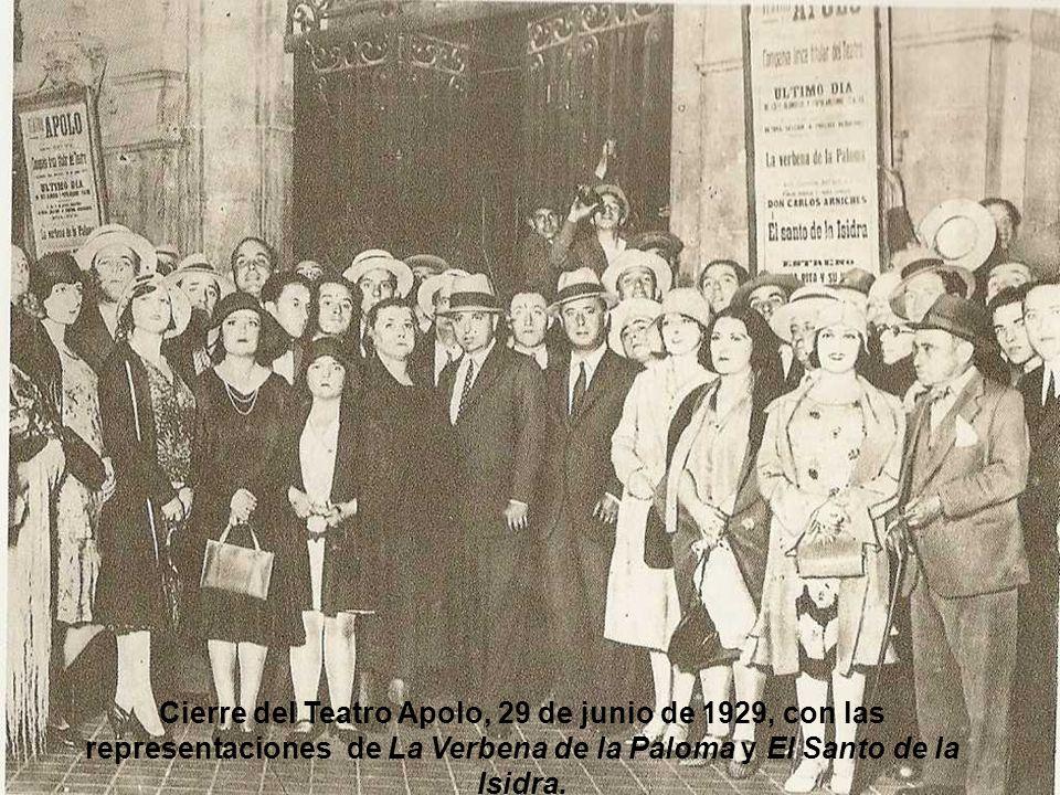 Alfonso XIII visitando las obras de construcción del edificio de la Telefónica, 1928.