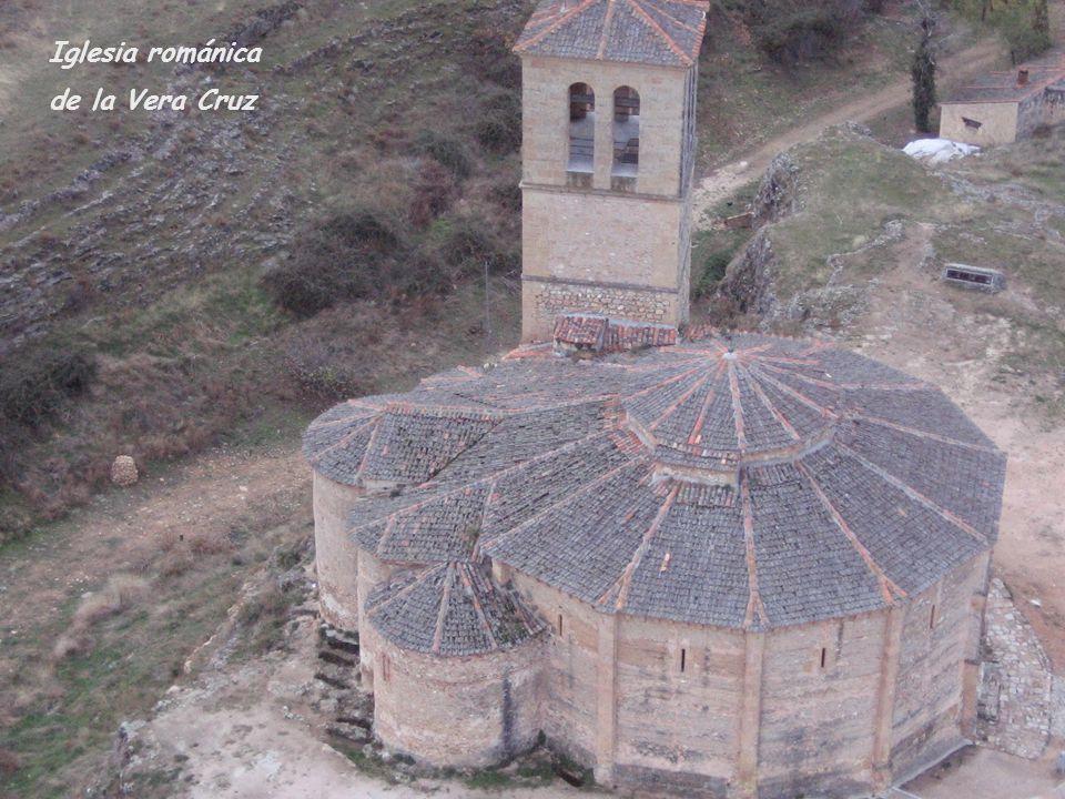 Iglesia románica de la Vera Cruz