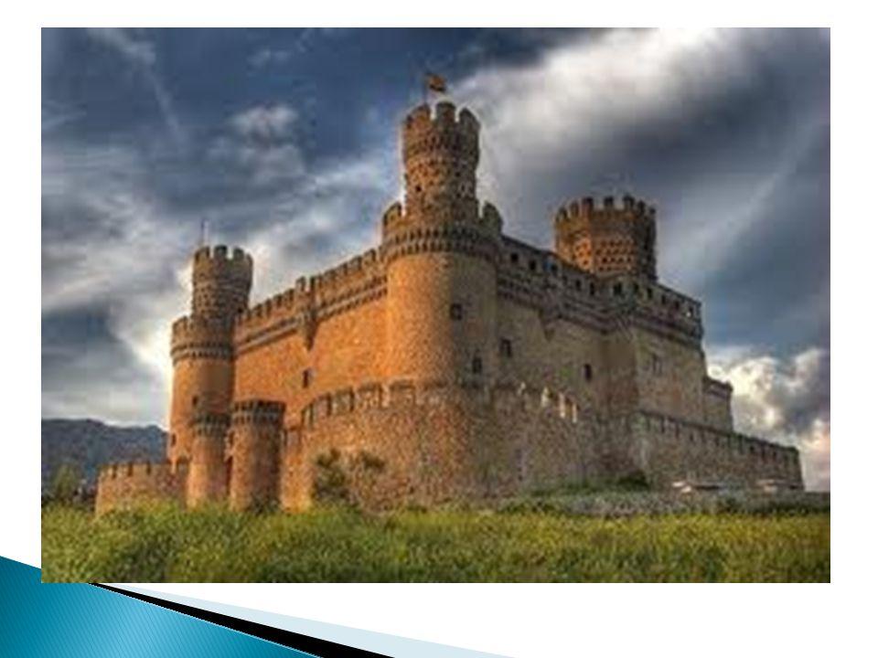 LA CORONA DE CASTILLA Y ARAGÓN: Durante lo siglos XIII, XIV y XV, la corona de Aragón y la corona de Castilla conquistaron territorios y expandieron sus fronteras.