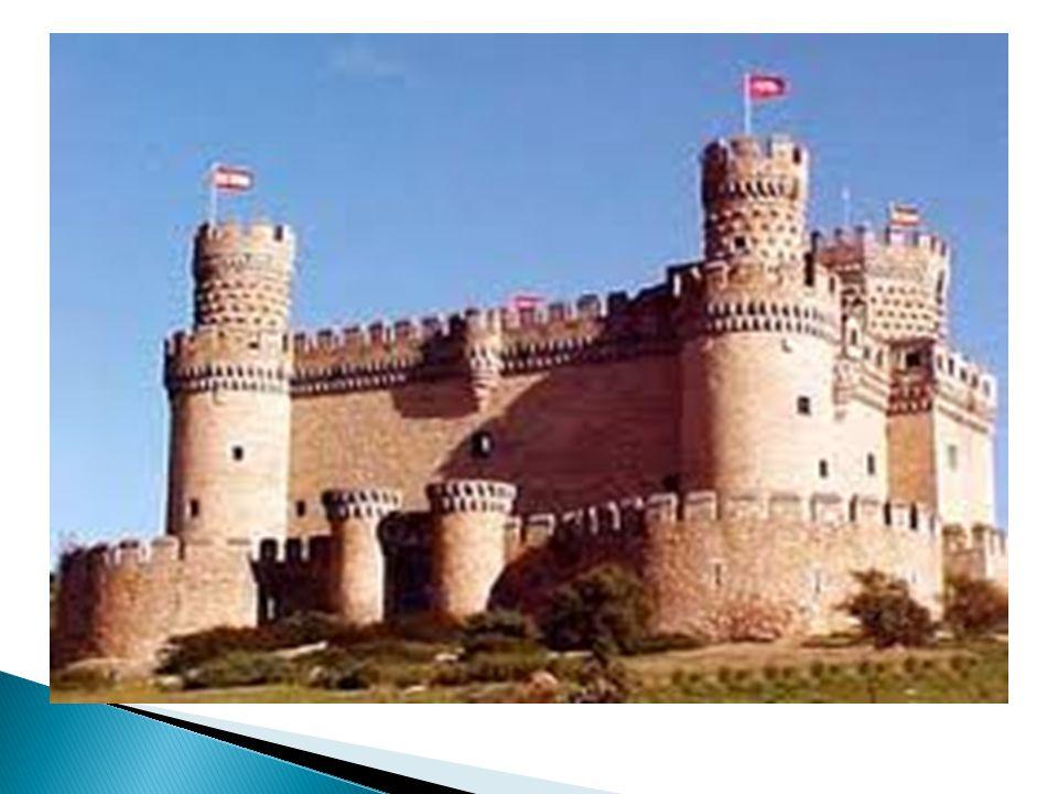 - LAS CONSTRUCCIONES: - En al-Ándalus se levantaron fabulosos edificios.